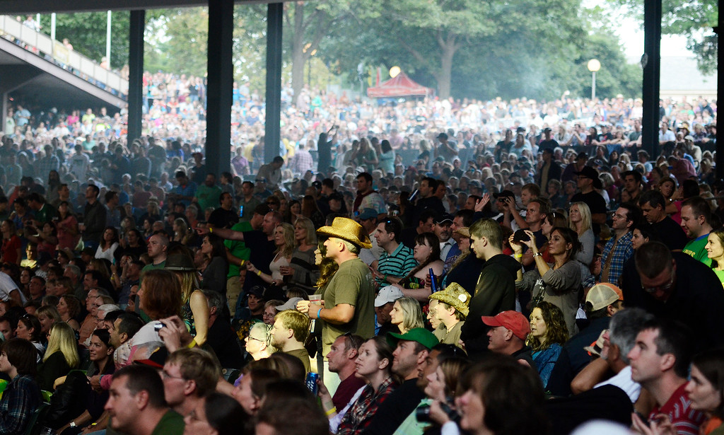 . Erica Miller - The Saratogian SPAC held the epic Farm Aid on Saturday to an audience of 25,000. The crowd was packed for the famous Neil Young, John Melloncamp, Jack Johnson, Dave Matthews, Willie Nelson and many more artists. SAR-l-PackedCrowds1