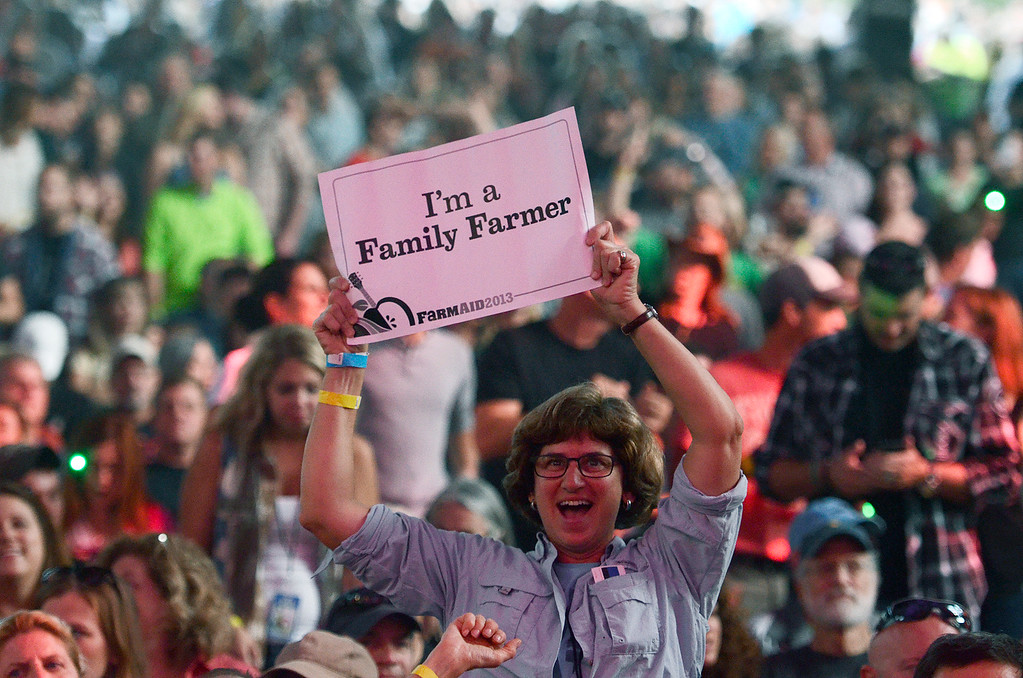 . Erica Miller - The Saratogian SPAC held the epic Farm Aid on Saturday to an audience of 25,000. The crowd was packed for the famous Neil Young, John Melloncamp, Jack Johnson, Dave Matthews, Willie Nelson and many more artists. SAR-l-PackedCrowds5